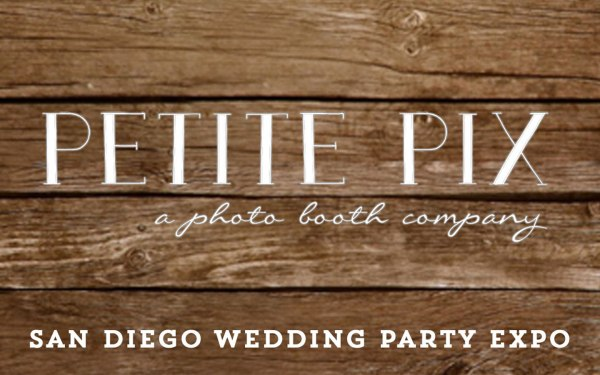 Petite Pix Vintage Photo Booth at the San Diego Wedding Expo