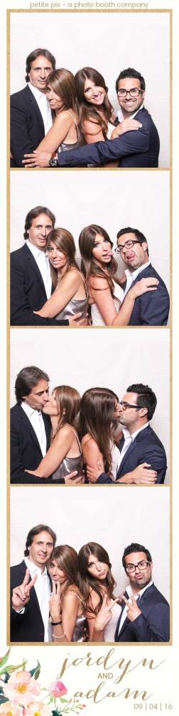 petite-pix-mid-century-modern-vintage-photo-booth-at-triunfo-creek-vineyards-for-jordyn-and-adams-wedding-14