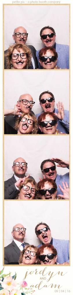 petite-pix-mid-century-modern-vintage-photo-booth-at-triunfo-creek-vineyards-for-jordyn-and-adams-wedding-2
