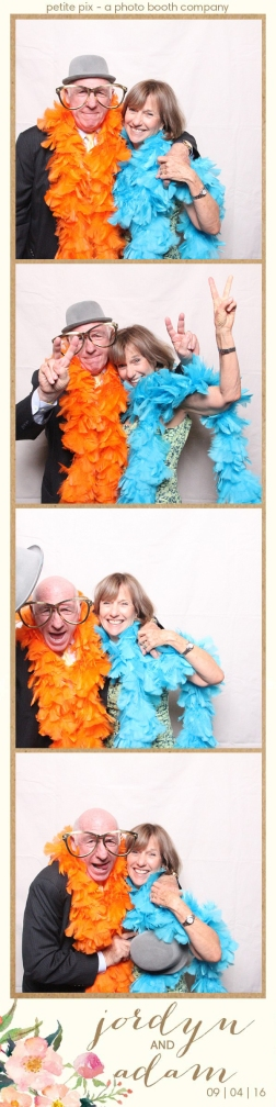 petite-pix-mid-century-modern-vintage-photo-booth-at-triunfo-creek-vineyards-for-jordyn-and-adams-wedding-20