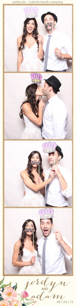 petite-pix-mid-century-modern-vintage-photo-booth-at-triunfo-creek-vineyards-for-jordyn-and-adams-wedding-21