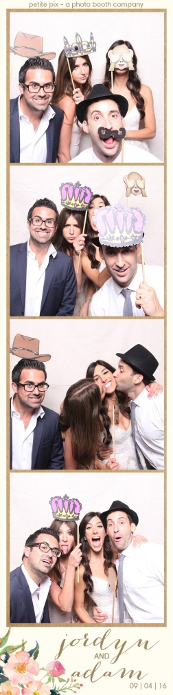 petite-pix-mid-century-modern-vintage-photo-booth-at-triunfo-creek-vineyards-for-jordyn-and-adams-wedding-22