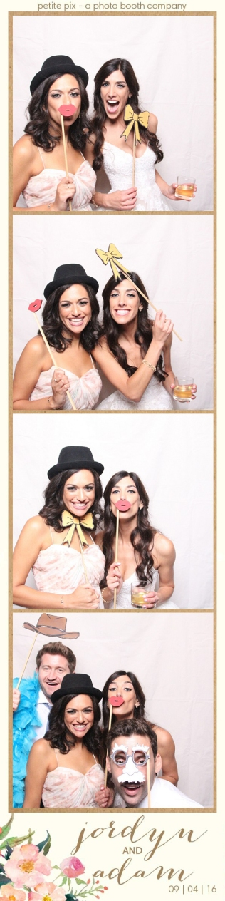 petite-pix-mid-century-modern-vintage-photo-booth-at-triunfo-creek-vineyards-for-jordyn-and-adams-wedding-23