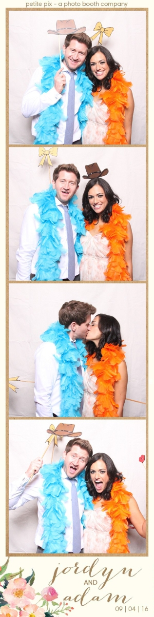 petite-pix-mid-century-modern-vintage-photo-booth-at-triunfo-creek-vineyards-for-jordyn-and-adams-wedding-24