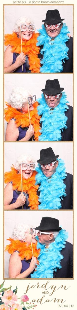 petite-pix-mid-century-modern-vintage-photo-booth-at-triunfo-creek-vineyards-for-jordyn-and-adams-wedding-26