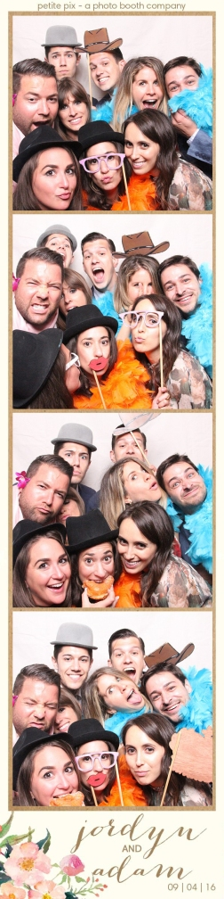 petite-pix-mid-century-modern-vintage-photo-booth-at-triunfo-creek-vineyards-for-jordyn-and-adams-wedding-29