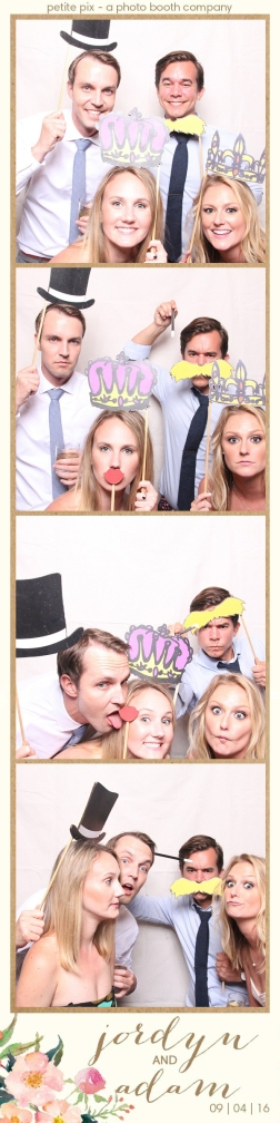 petite-pix-mid-century-modern-vintage-photo-booth-at-triunfo-creek-vineyards-for-jordyn-and-adams-wedding-31