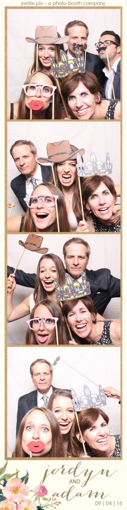 petite-pix-mid-century-modern-vintage-photo-booth-at-triunfo-creek-vineyards-for-jordyn-and-adams-wedding-32