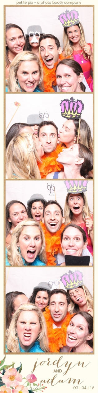 petite-pix-mid-century-modern-vintage-photo-booth-at-triunfo-creek-vineyards-for-jordyn-and-adams-wedding-38