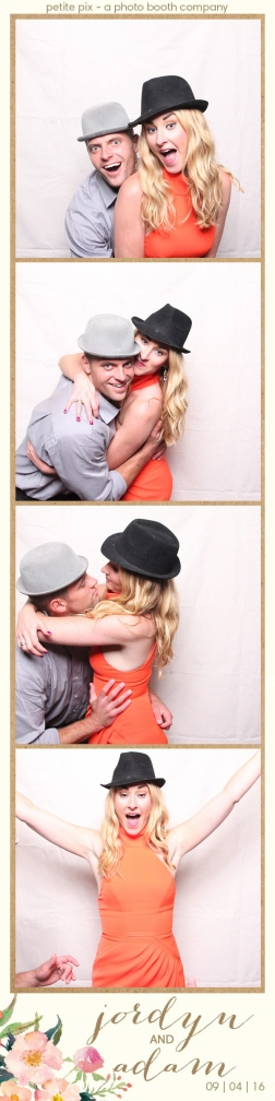 petite-pix-mid-century-modern-vintage-photo-booth-at-triunfo-creek-vineyards-for-jordyn-and-adams-wedding-40