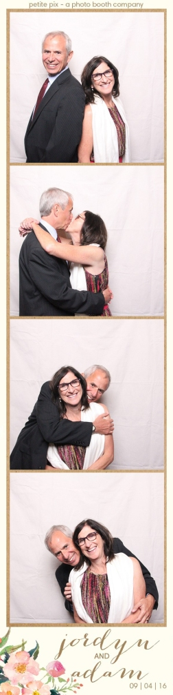 petite-pix-mid-century-modern-vintage-photo-booth-at-triunfo-creek-vineyards-for-jordyn-and-adams-wedding-41