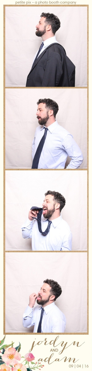 petite-pix-mid-century-modern-vintage-photo-booth-at-triunfo-creek-vineyards-for-jordyn-and-adams-wedding-42