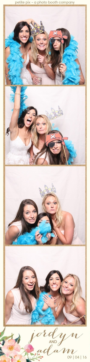 petite-pix-mid-century-modern-vintage-photo-booth-at-triunfo-creek-vineyards-for-jordyn-and-adams-wedding-43