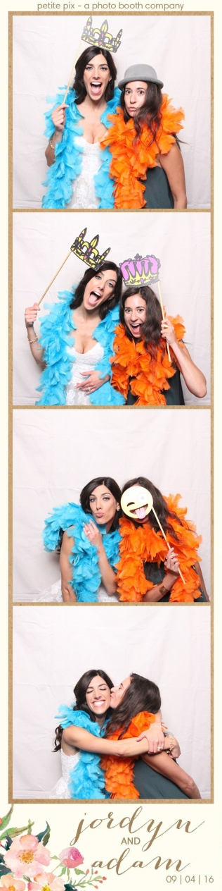 petite-pix-mid-century-modern-vintage-photo-booth-at-triunfo-creek-vineyards-for-jordyn-and-adams-wedding-44