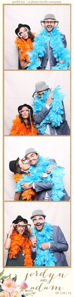 petite-pix-mid-century-modern-vintage-photo-booth-at-triunfo-creek-vineyards-for-jordyn-and-adams-wedding-45