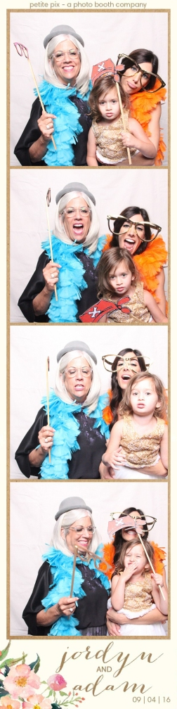 petite-pix-mid-century-modern-vintage-photo-booth-at-triunfo-creek-vineyards-for-jordyn-and-adams-wedding-46