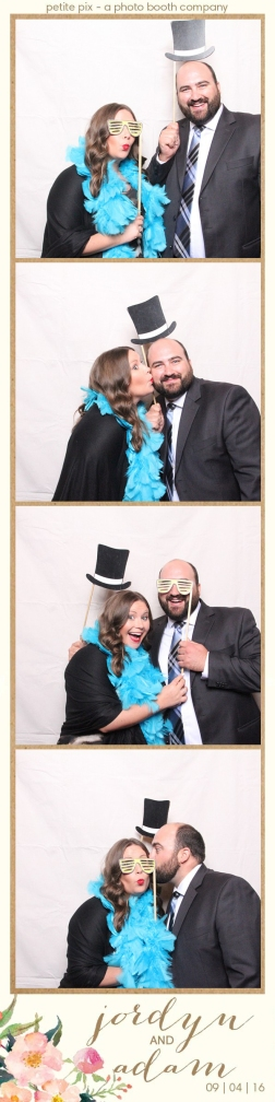 petite-pix-mid-century-modern-vintage-photo-booth-at-triunfo-creek-vineyards-for-jordyn-and-adams-wedding-48