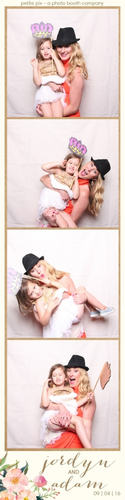 petite-pix-mid-century-modern-vintage-photo-booth-at-triunfo-creek-vineyards-for-jordyn-and-adams-wedding-50