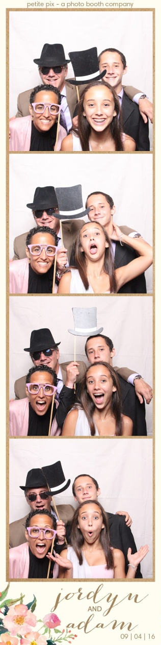 petite-pix-mid-century-modern-vintage-photo-booth-at-triunfo-creek-vineyards-for-jordyn-and-adams-wedding-52