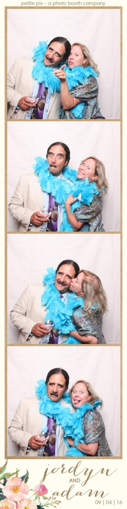 petite-pix-mid-century-modern-vintage-photo-booth-at-triunfo-creek-vineyards-for-jordyn-and-adams-wedding-55
