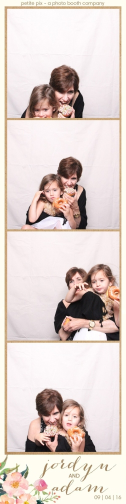 petite-pix-mid-century-modern-vintage-photo-booth-at-triunfo-creek-vineyards-for-jordyn-and-adams-wedding-58