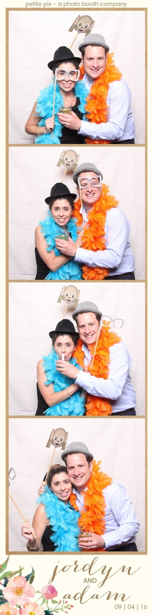 petite-pix-mid-century-modern-vintage-photo-booth-at-triunfo-creek-vineyards-for-jordyn-and-adams-wedding-59