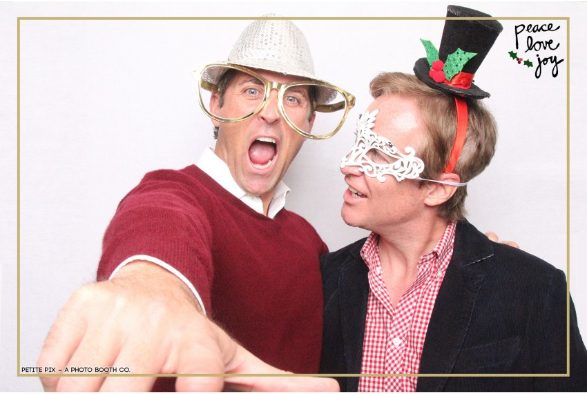 Petite Pix Photo Booth in the Pacific Palisades for the Culp Peace Love Joy Holiday Party (101)