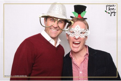 Petite Pix Photo Booth in the Pacific Palisades for the Culp Peace Love Joy Holiday Party (102)