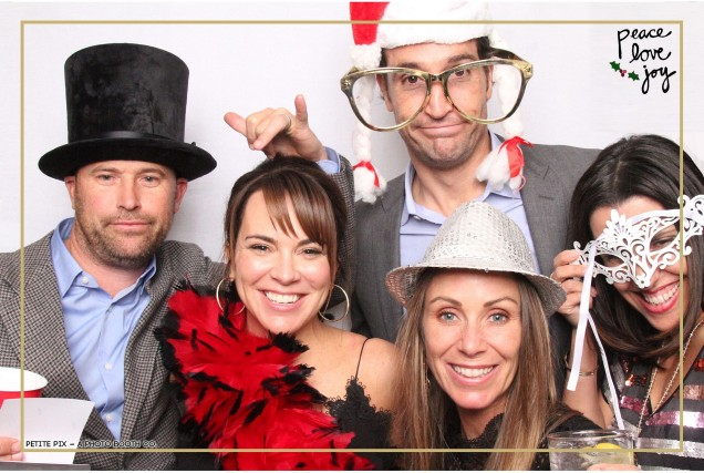 Petite Pix Photo Booth in the Pacific Palisades for the Culp Peace Love Joy Holiday Party (103)