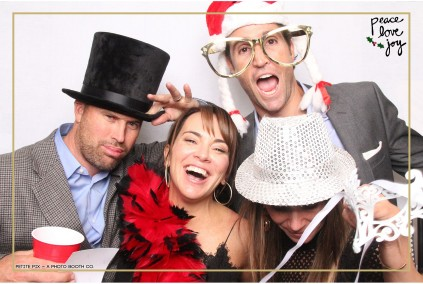 Petite Pix Photo Booth in the Pacific Palisades for the Culp Peace Love Joy Holiday Party (104)