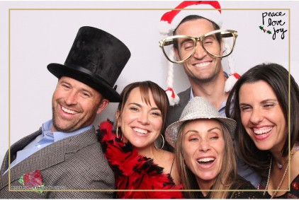 Petite Pix Photo Booth in the Pacific Palisades for the Culp Peace Love Joy Holiday Party (105)