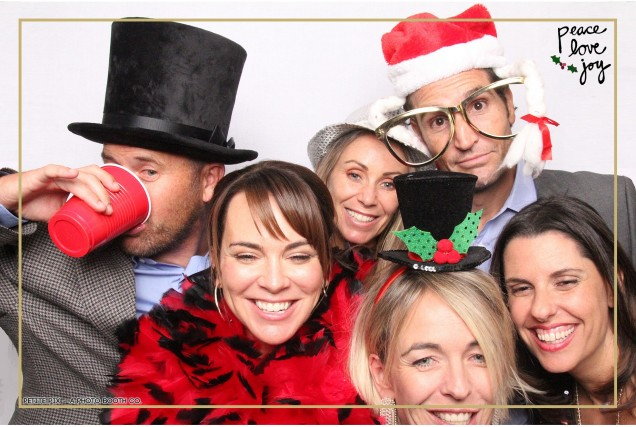 Petite Pix Photo Booth in the Pacific Palisades for the Culp Peace Love Joy Holiday Party (107)