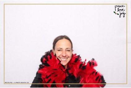 Petite Pix Photo Booth in the Pacific Palisades for the Culp Peace Love Joy Holiday Party (111)