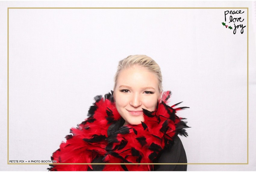 Petite Pix Photo Booth in the Pacific Palisades for the Culp Peace Love Joy Holiday Party (112)
