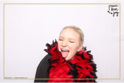 Petite Pix Photo Booth in the Pacific Palisades for the Culp Peace Love Joy Holiday Party (113)