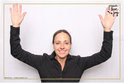 Petite Pix Photo Booth in the Pacific Palisades for the Culp Peace Love Joy Holiday Party (118)