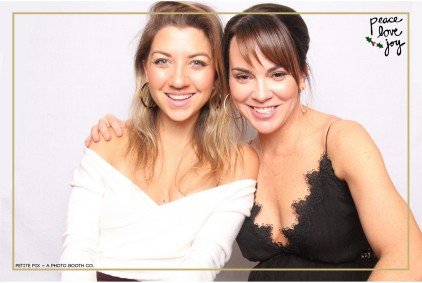 Petite Pix Photo Booth in the Pacific Palisades for the Culp Peace Love Joy Holiday Party (12)