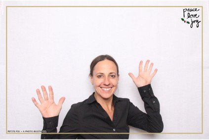 Petite Pix Photo Booth in the Pacific Palisades for the Culp Peace Love Joy Holiday Party (120)