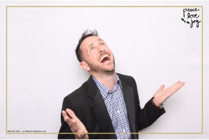 Petite Pix Photo Booth in the Pacific Palisades for the Culp Peace Love Joy Holiday Party (121)