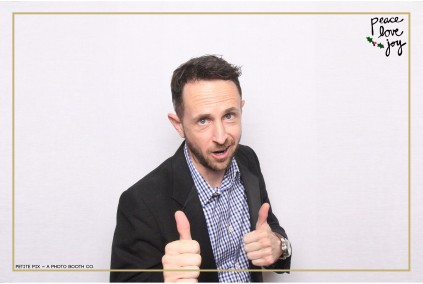 Petite Pix Photo Booth in the Pacific Palisades for the Culp Peace Love Joy Holiday Party (122)