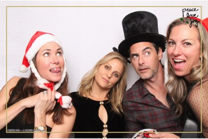 Petite Pix Photo Booth in the Pacific Palisades for the Culp Peace Love Joy Holiday Party (124)