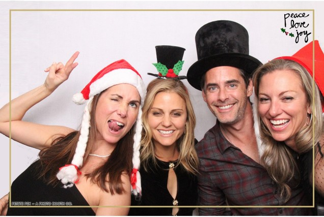 Petite Pix Photo Booth in the Pacific Palisades for the Culp Peace Love Joy Holiday Party (126)