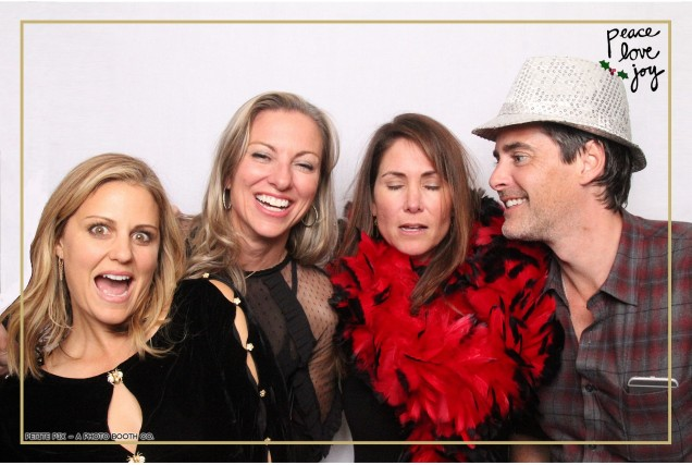 Petite Pix Photo Booth in the Pacific Palisades for the Culp Peace Love Joy Holiday Party (128)