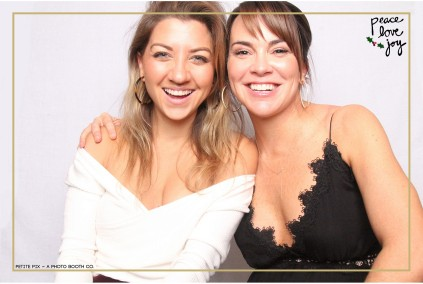 Petite Pix Photo Booth in the Pacific Palisades for the Culp Peace Love Joy Holiday Party (13)