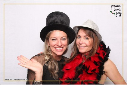 Petite Pix Photo Booth in the Pacific Palisades for the Culp Peace Love Joy Holiday Party (130)