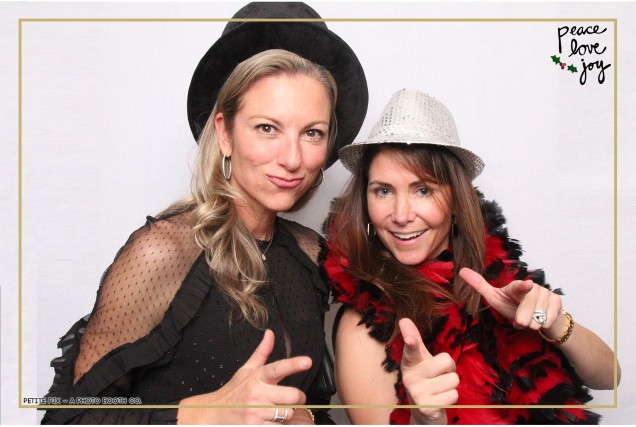 Petite Pix Photo Booth in the Pacific Palisades for the Culp Peace Love Joy Holiday Party (131)