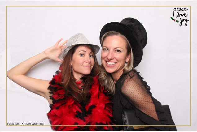 Petite Pix Photo Booth in the Pacific Palisades for the Culp Peace Love Joy Holiday Party (132)