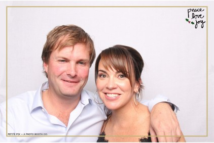 Petite Pix Photo Booth in the Pacific Palisades for the Culp Peace Love Joy Holiday Party (15)