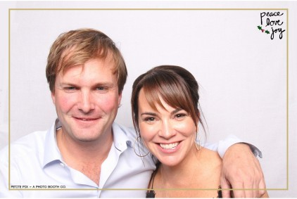 Petite Pix Photo Booth in the Pacific Palisades for the Culp Peace Love Joy Holiday Party (16)