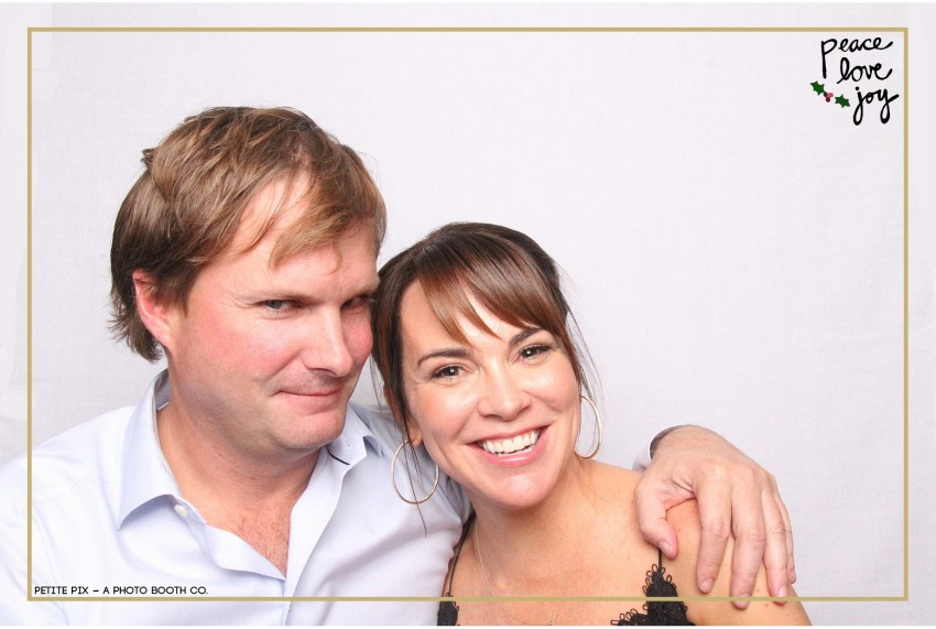 Petite Pix Photo Booth in the Pacific Palisades for the Culp Peace Love Joy Holiday Party (17)